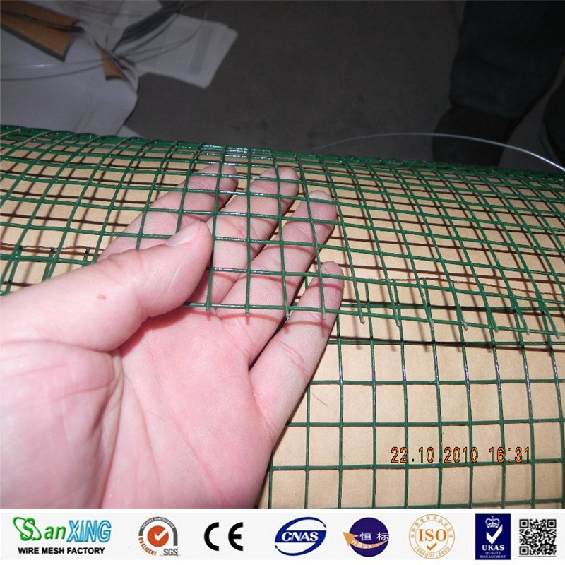 detail of pvc coated welded wire mesh