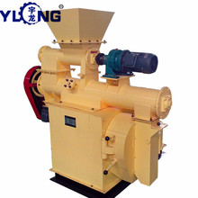 Animal feed pellet machine for farm use