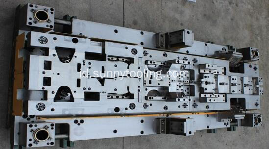 Hard Alloy Progressive Tooling