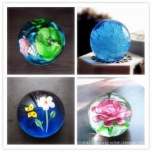 Boule de verre coloré de mariage et de décoration à la maison