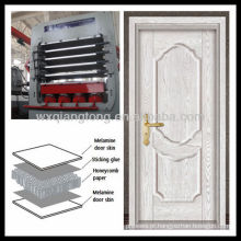 Multi-camada de melamina MDF porta pele máquina de prensagem a quente / primer porta de pele moldada