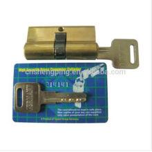 O cilindro de bronze de 60mm trava o cartão de W / UV