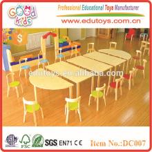 2015 Muebles preescolares de madera brillante al por mayor del color para los niños, la tabla de los niños y las sillas