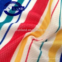 Tejido de poliéster y nylon con sensación de frescor para camisetas de producción.