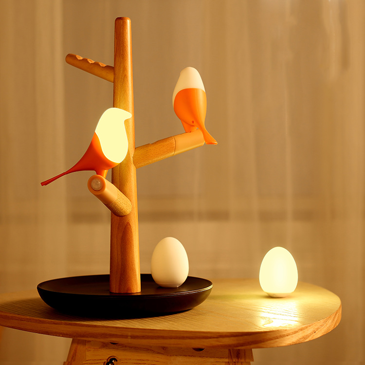 Applicant Standing Wooden Lamp