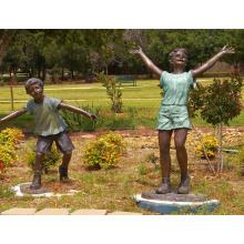 Diseños populares tamaño natural Bronce niño y niña jugando estatua para jardín