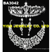 Mostrar jóias com diamantes conjunto de jóias colar