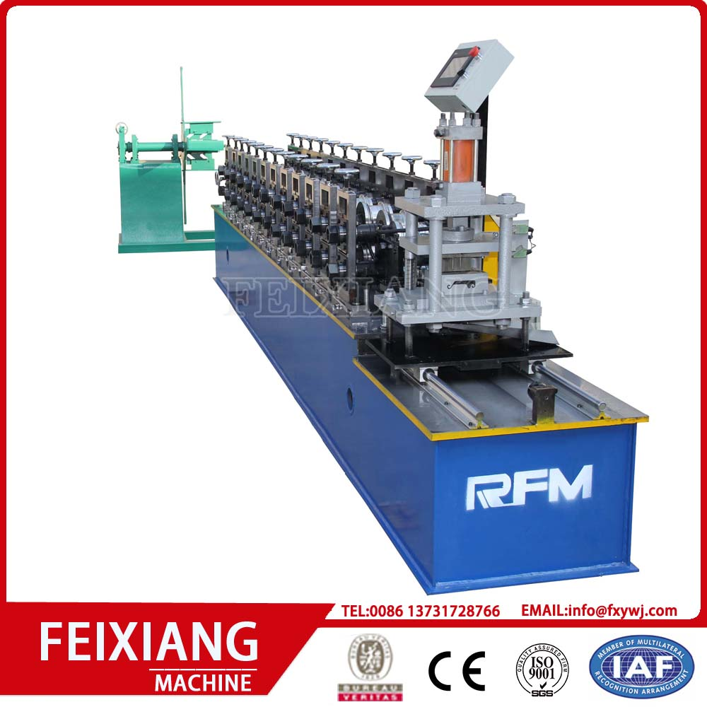 Roller shutter door steel roll forming machine