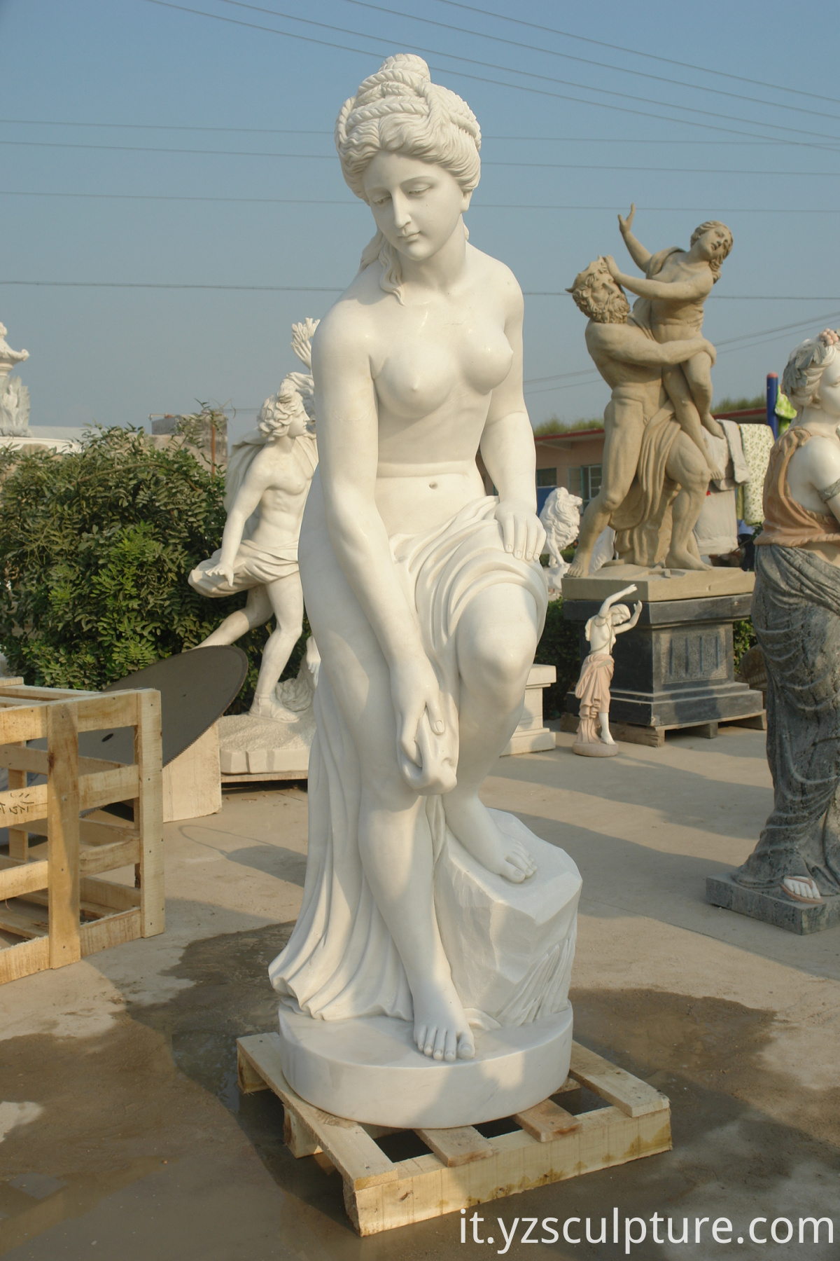 white marble naked lady statue