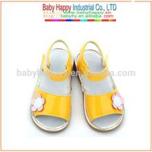 Fancy gelb Schuhe Kinder quietschende Schuhe Großhandel Schulschuhe