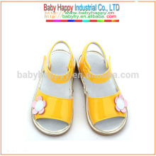 Fancy yellow shoes kids squeaky shoes wholesale school shoes