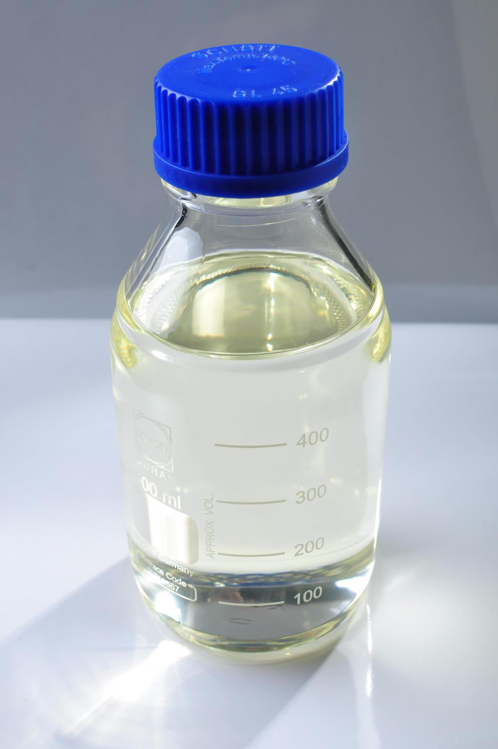 Pesiticide additive agent methyl oleate