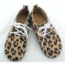 El precio de fábrica bajo de MOQ Oxford calza el bebé y los zapatos de los cabritos