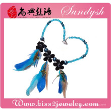 Venda quente por atacado mais recente moda artesanal de cristal colorido real choker bib pingente de colar de penas