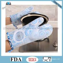 2016 Lange und dicke Silikon Mikrowellenherd Handschuh mit Wärmedämmung Sg16