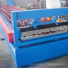 Máquina formadora de techos de chapa metálica con perforación de orificio en línea