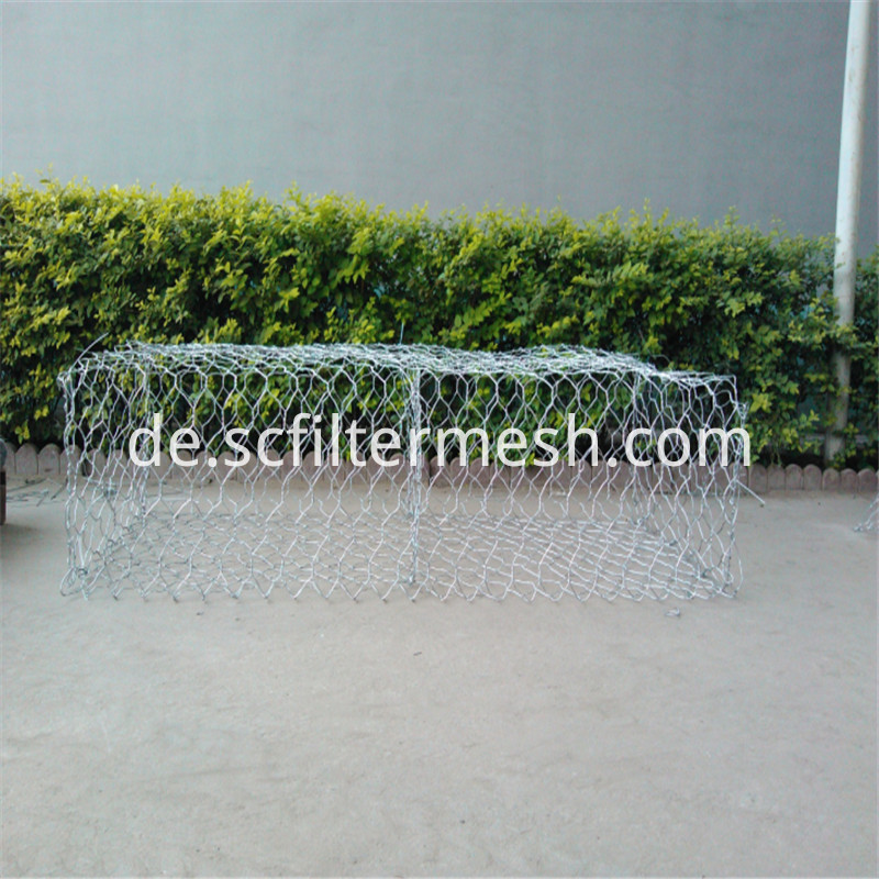 Gabion for retaining wall