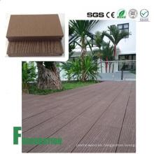 Suelo compuesto plástico de madera duradero e impermeable barato de WPC