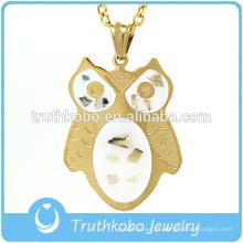 La moda animal linda pone los collares de diamantes de la joyería colgantes exhibición de la exhibición en siempre 21