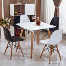 table en gros match en plastique chaise en plastique avec jambe en bois