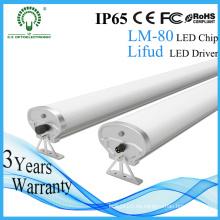 Impermeable Newly 2FT / 4FT / 5FT LED Tri-Proof Light para el estacionamiento del coche