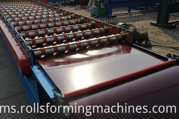 Roof panel roll forming machine (3)
