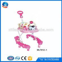Caminante de múltiples funciones del bebé de la forma del coche de las ventas calientes con 8 ruedas del eslabón giratorio