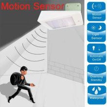 Luar LED Solar Powered Motion Sensor Pathway Light