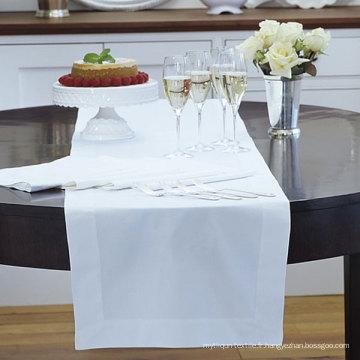 Chemin de table d'hôtel blanc (DPFR80129)