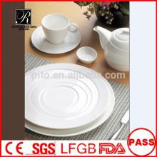 Grosso porcelana de alta qualidade mais recente design banquete dinnerware conjunto