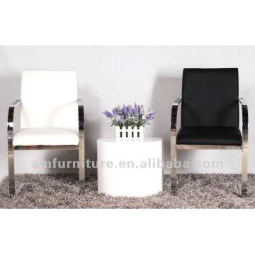 Moderner eleganter Stuhl aus PU und Metall