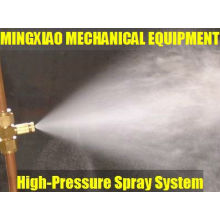High-pressure spray system for poultry house