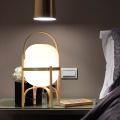 Lampe de table en bois classique