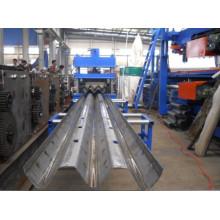 Máquina de fabricação de Guardrail da estrada de três vias