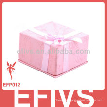 Caja de cartón para joyas en relieve para anillos