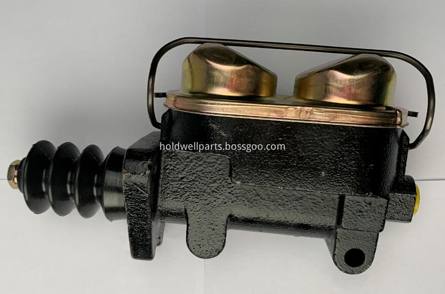 Case Backhoe Dozer Brake cylinder master D126695