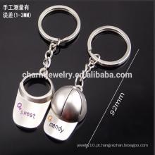 Barato personalizam o chaveiro do boné de beisebol os homens e as mulheres acoplam a corrente chave pequena do presente do keychain YSK001