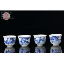 Фарфоровая ручка нарисовала синие и белые наборы для дизайна чая
