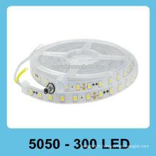 Bande lumineuse LED 5050 imperméable à l'eau 12V