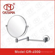 Espelho de maquiagem dobra redonda usado no banheiro