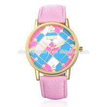 2016 Neue modische Mode Bunte Leder Armbanduhr für Frauen SOXY006