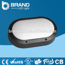 Installation facile IP65 90lm / w Éclairage Bulkhead LED