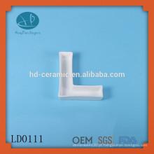 Prato de carta de cerâmica simples por grosso, cruet cerâmico para venda, prato de carta de porcelana popular, molde de alfabeto