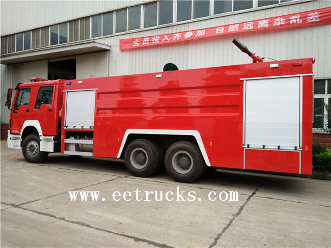 HOWO Dry Powder Fire Trucks