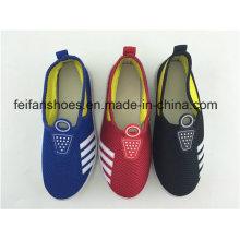 2016 nouvelles chaussures d'injection de toile enfilées d'enfants d'Arrivel avec des couleurs d'abondance