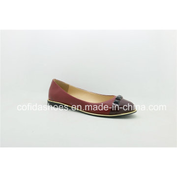 Attractive Design Leather Ladies Shoes with Fashion Studs