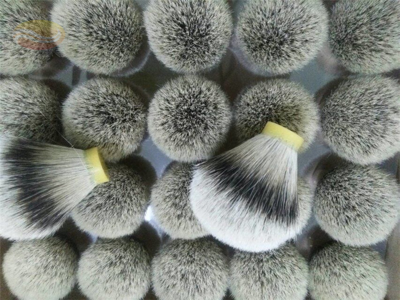 Bulb Shaped Silvertip Badger Hair Knot
