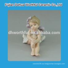 Hermosas estatuas de ángel lindo, adornos de ángel de cerámica para la venta al por mayor