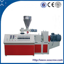 Extrusora de parafuso gêmeo para fabricação de tubos de PVC