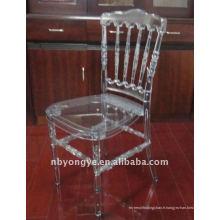 Chaise en résine transparente en résine